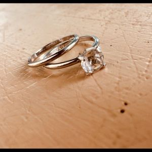 Jewelry - 1 carat Solitaire engagement wedding set size 7